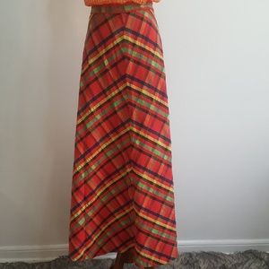 Dresses & Skirts - Vintage Plaid Skirt.